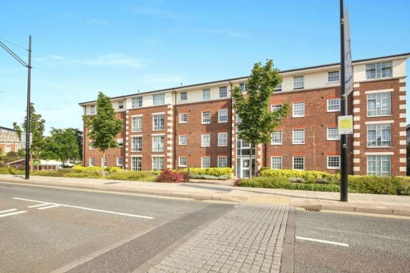 2 Bedrooms Flat for sale in Cornwallis Road, LONDON, SE18