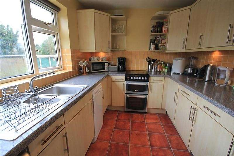 1 Bedroom Flat for sale in Lesley Court, Southcote Road, Reading, RG30