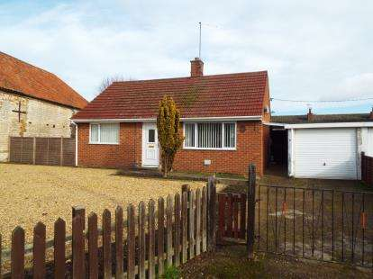 2 Bedrooms Bungalow for sale in Northwold, Thetford, Norfolk