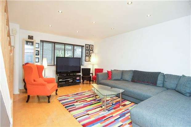 3 Bedrooms Terraced House for sale in Pendragon Walk, LONDON, NW9 7RT