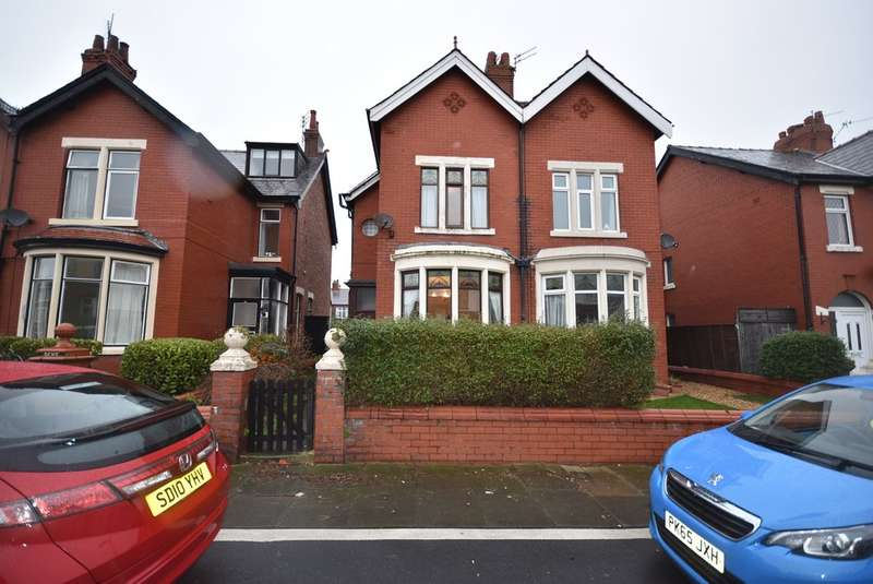 4 Bedrooms Semi Detached House for sale in Gloucester Avenue, Blackpool