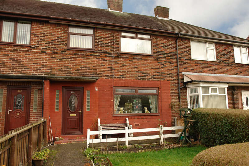 3 Bedrooms Terraced House for sale in 200 Long Lane, Chadderton, Oldham