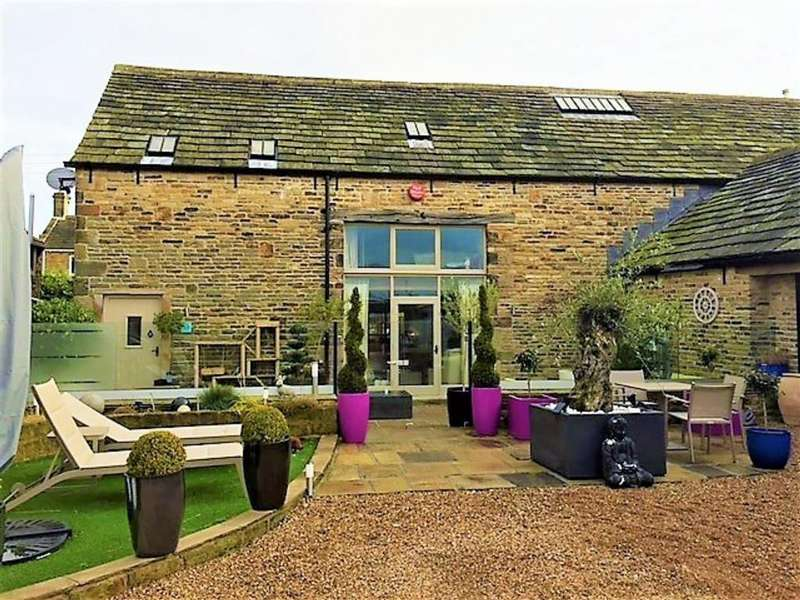 3 Bedrooms Barn Conversion Character Property for sale in Thornes Fold, LEPTON, Huddersfield, HD8
