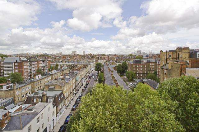 1 Bedroom Flat for sale in Sloane Avenue, Chelsea SW3