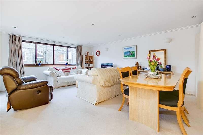 2 Bedrooms Flat for sale in Hereford Road, Bayswater, London