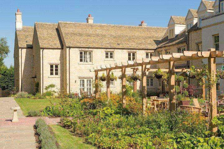 2 Bedrooms Retirement Property for sale in Lewsey Court, London Road, Tetbury, Gloucestershire