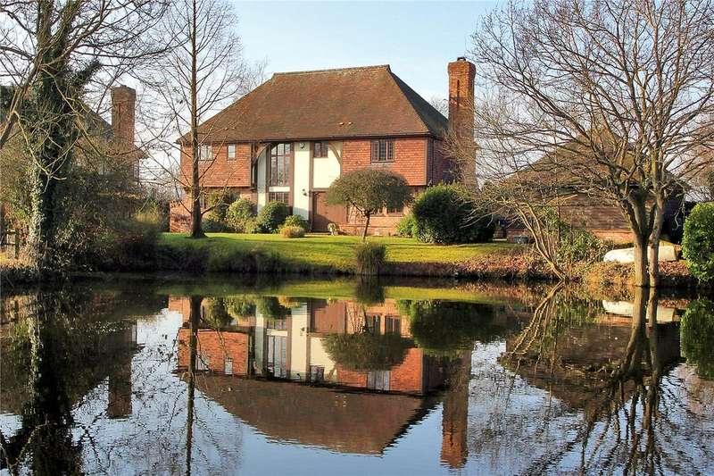 6 Bedrooms Detached House for sale in Carpenters Lane, Hadlow, Tonbridge, Kent