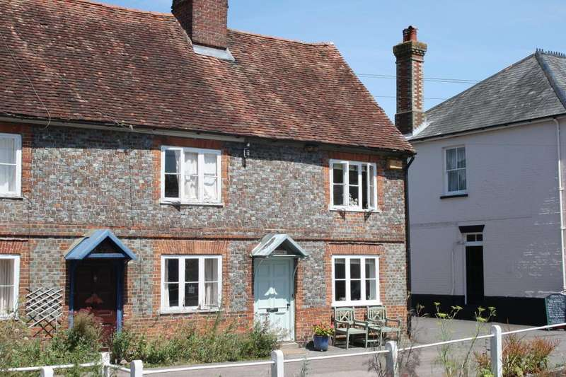 3 Bedrooms Semi Detached House for sale in High Street, East Meon, Petersfield, GU32