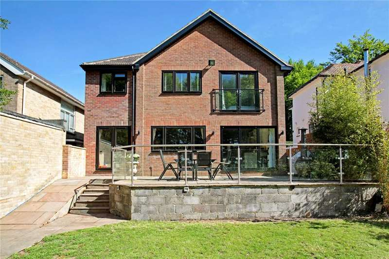 4 Bedrooms Detached House for sale in Coombe Road, Salisbury