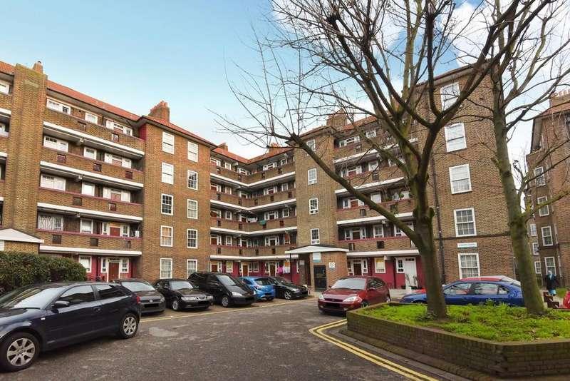 2 Bedrooms Flat for sale in Peckham Park Road, Peckham, SE15