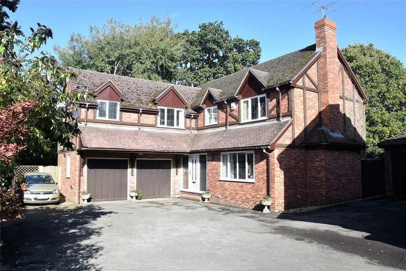 5 Bedrooms Detached House for sale in Hawkley Drive, Tadley, Hampshire, RG26
