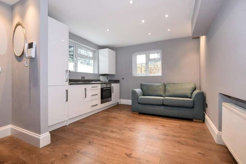 1 Bedroom Flat for sale in Dartmouth Road, Forest Hill, SE23