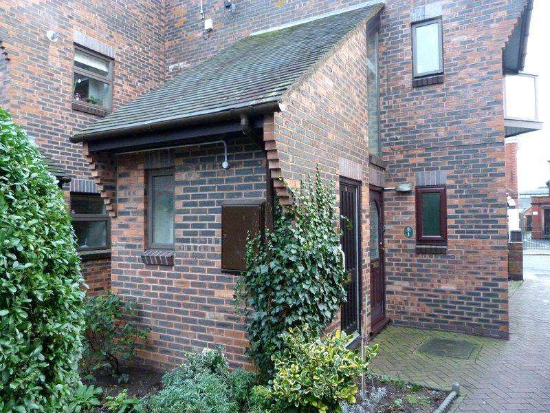 1 Bedroom Retirement Property for sale in Wesley Close, Nantwich, Cheshire, CW5