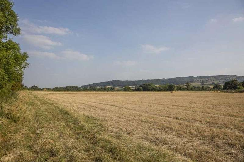 Land Commercial for sale in Pershore Road, Great Comberton, Pershore, Worcestershire, WR10