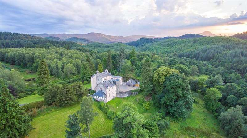 6 Bedrooms Detached House for sale in Duchray Castle, Aberfoyle, Stirling, FK8