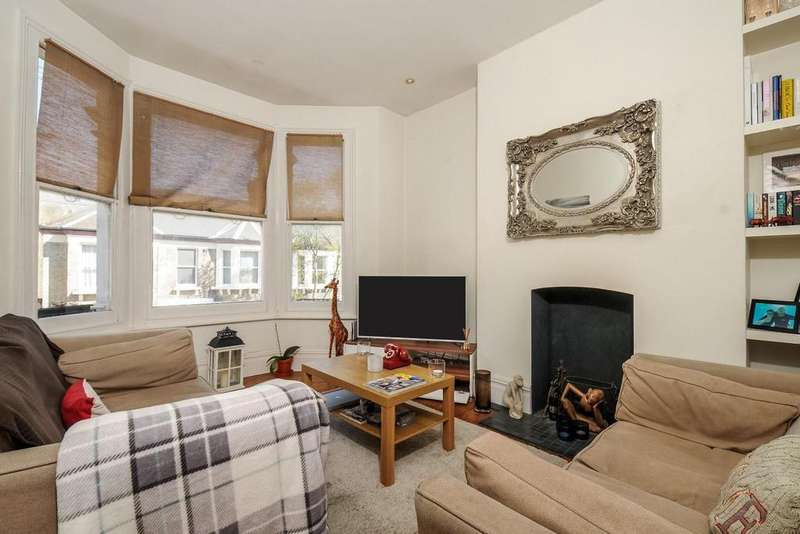 2 Bedrooms Flat for sale in Tremadoc Road, Clapham, SW4