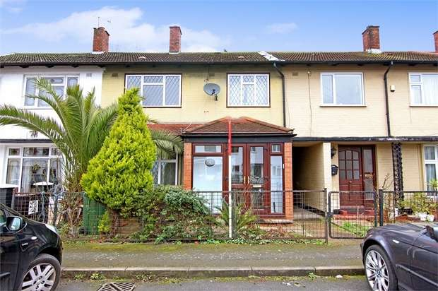 3 Bedrooms Terraced House for sale in Heron Close, Walthamstow, London