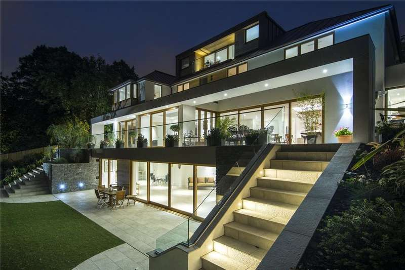 6 Bedrooms Detached House for sale in Lambourne Avenue, London, SW19