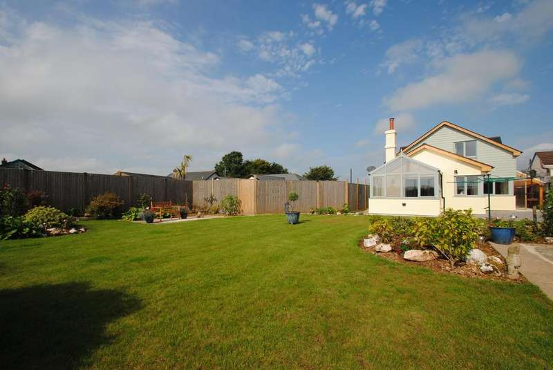 5 Bedrooms Detached House for sale in Tregadillett, Launceston