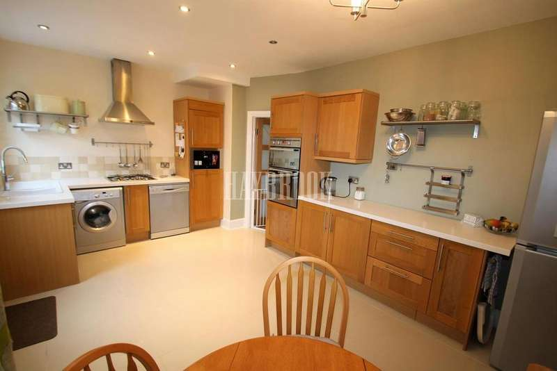 3 Bedrooms Semi Detached House for sale in Mitchell Road, Woodseats, S8