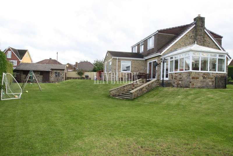 5 Bedrooms Detached House for sale in Coal Pit Lane, Stocksbridge
