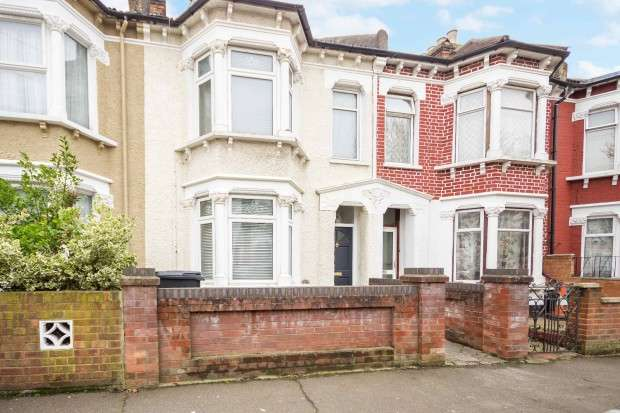 3 Bedrooms Terraced House for sale in Holmewood Road, South Norwood, SE25