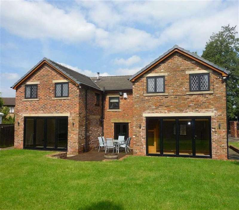 4 Bedrooms Detached House for sale in School Lane, Leyland, PR26