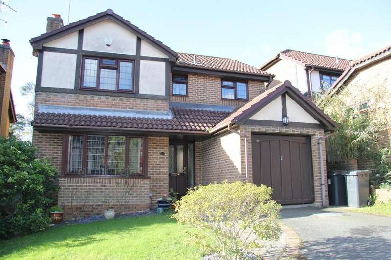 4 Bedrooms Detached House for sale in Hawthorne Close, Heathfield