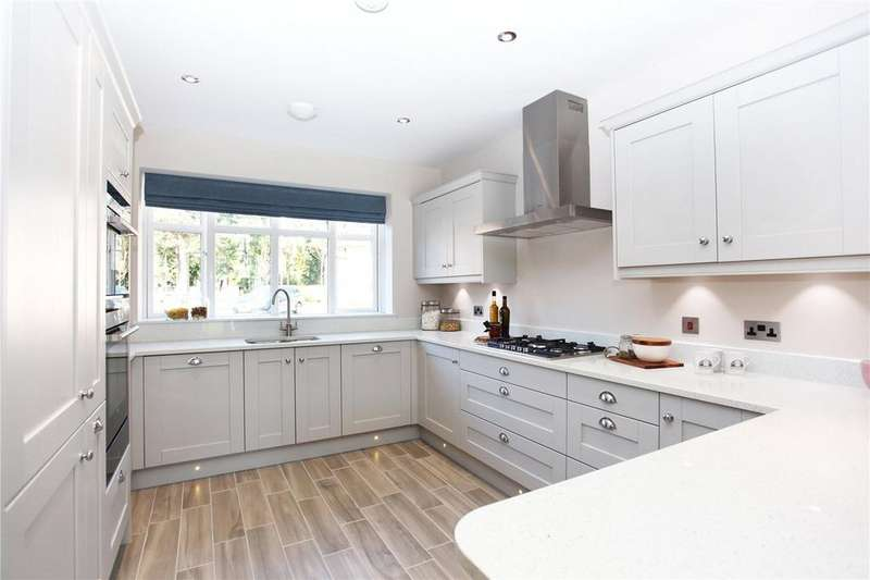 5 Bedrooms Detached House for sale in The Dormy, New Road, Ferndown, Dorset, BH22