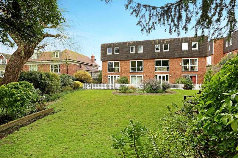 3 Bedrooms Terraced House for sale in Balmoral Close, Westleigh Avenue, Putney, London, SW15