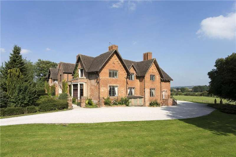 9 Bedrooms Detached House for sale in Studley, Warwickshire, B80