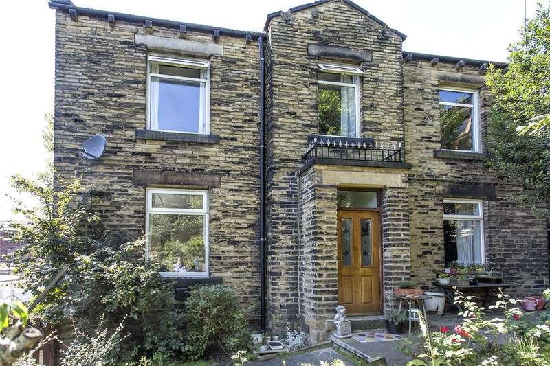 4 Bedrooms Detached House for sale in Crackenedge Lane, Dewsbury, West Yorkshire, WF13