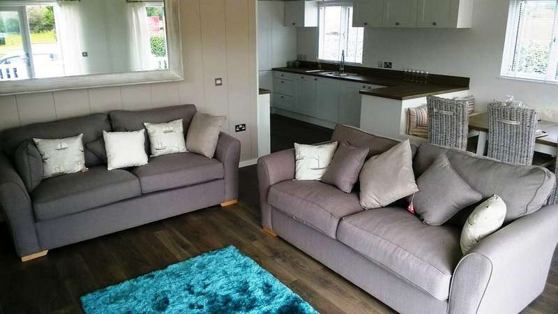 2 Bedrooms Mobile Home for sale in Shorefield Holiday Park, Milford On Sea