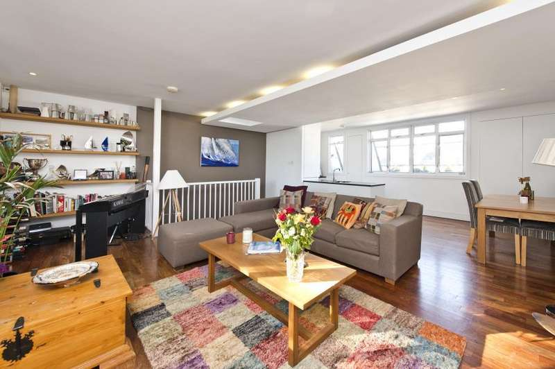 3 Bedrooms Flat for sale in Porchester Square, Notting Hill W2