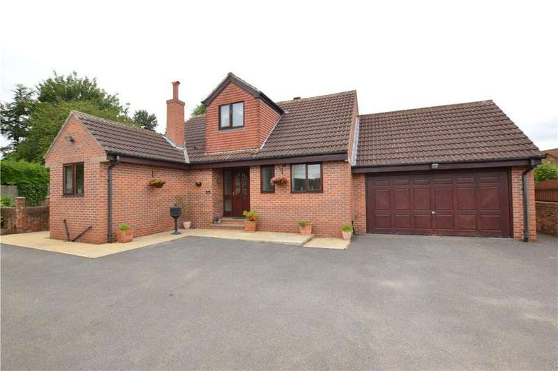 3 Bedrooms Detached Bungalow for sale in Ruskin Avenue, Wakefield, West Yorkshire