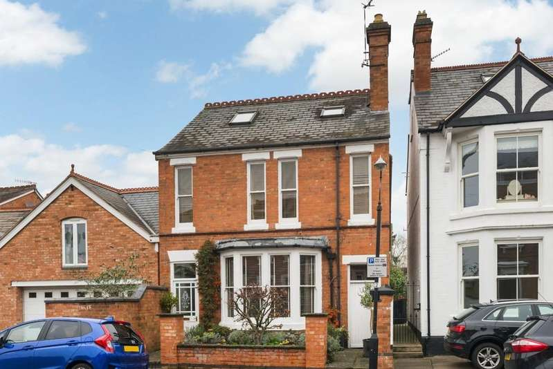 5 Bedrooms Detached House for sale in Broad Walk, Stratford-Upon-Avon
