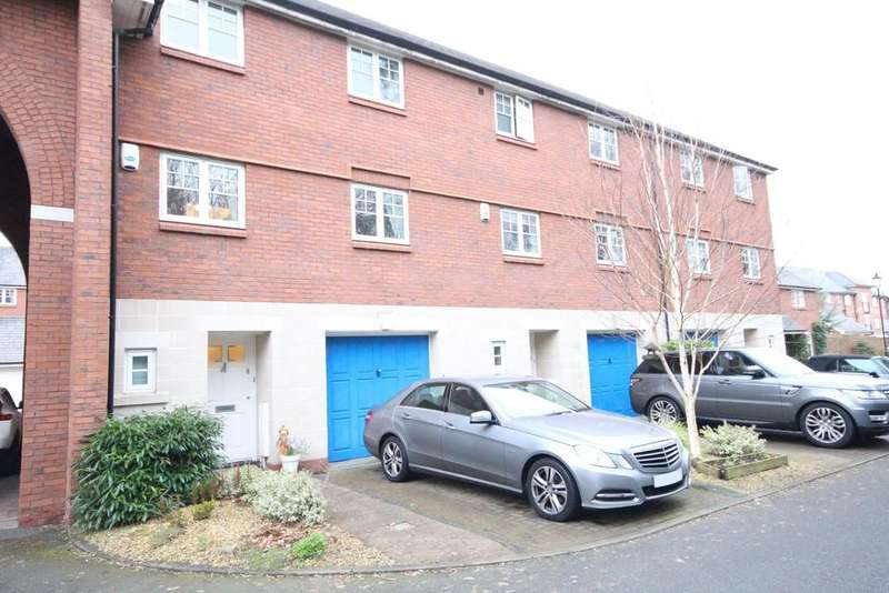 4 Bedrooms Town House for sale in Scarlett Drive, Hutton, Preston