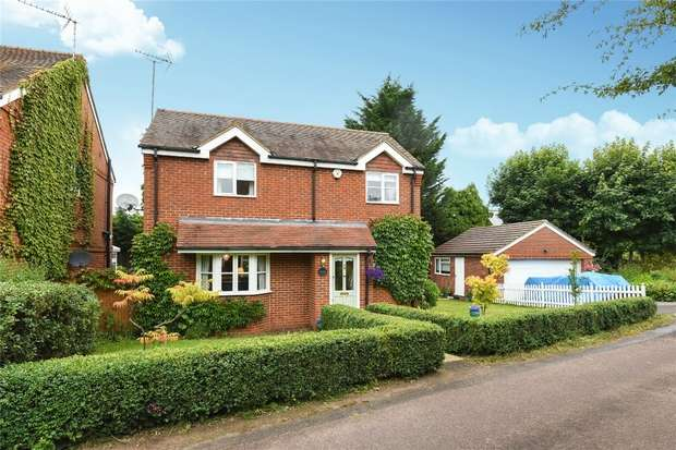 3 Bedrooms Detached House for sale in Poplar Lane, WINNERSH, Berkshire