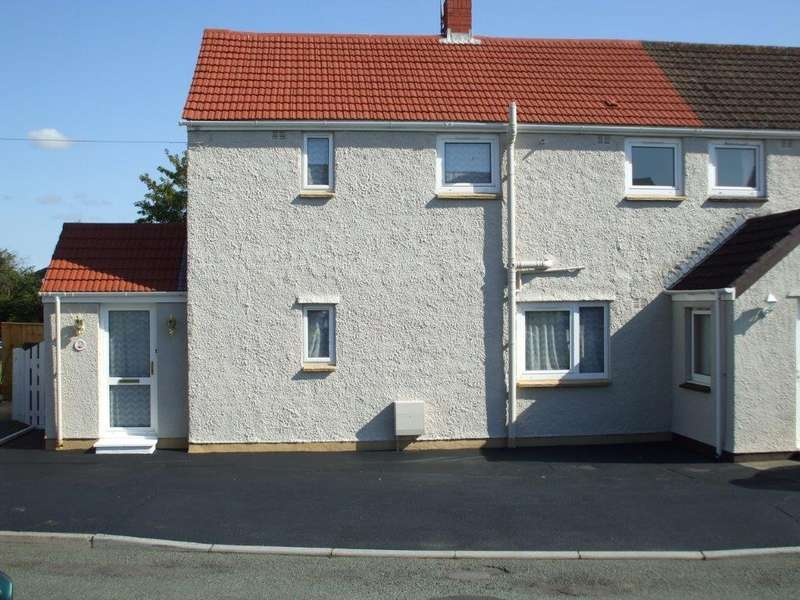 3 Bedrooms Semi Detached House for sale in Delapoer Drive, Haverfordwest
