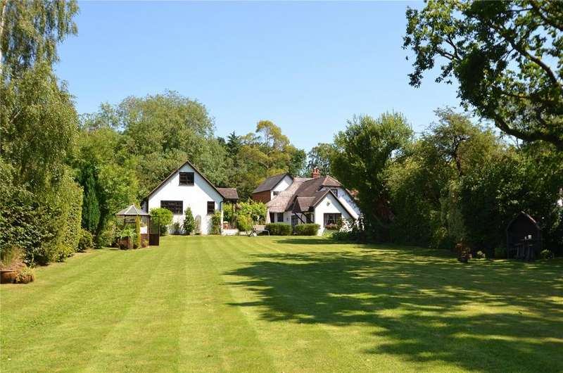 3 Bedrooms Detached House for sale in School Road, Windlesham, Surrey