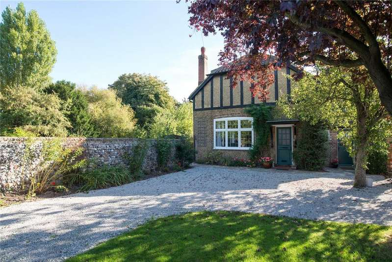 4 Bedrooms House for sale in Strand Street, Sandwich, Kent