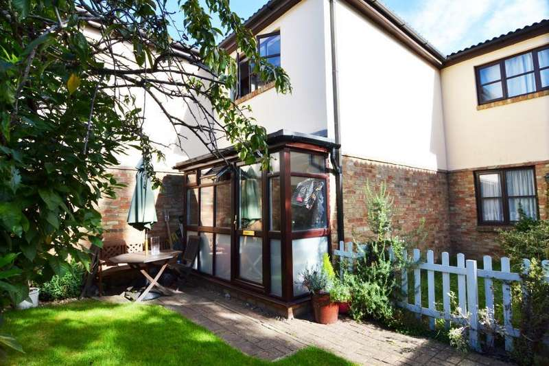 2 Bedrooms House for sale in Wellington Gardens,Fulwell, TW2