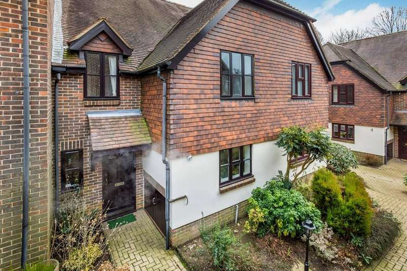 2 Bedrooms Retirement Property for sale in Church Road, Haslemere