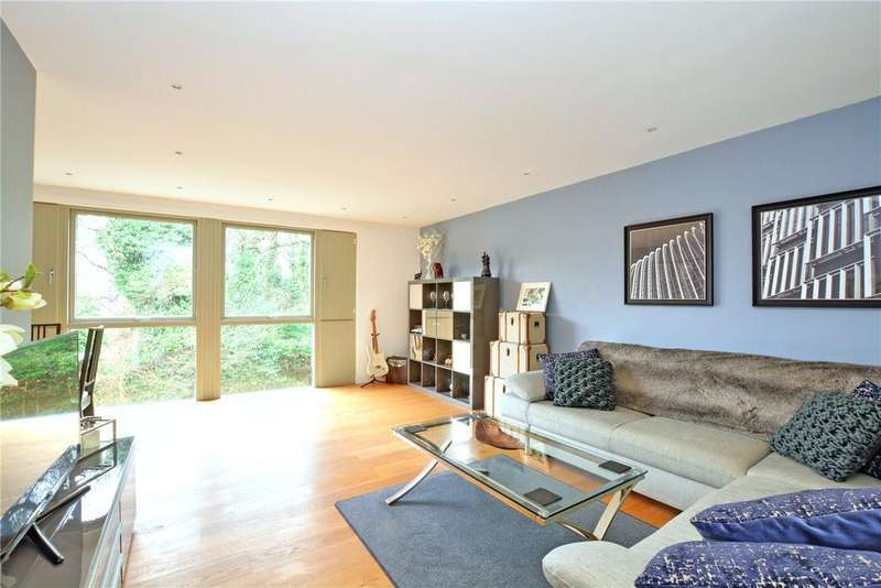 2 Bedrooms Flat for sale in The Acers, 2 Elmstead Lane, Chislehurst, BR7