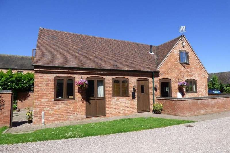 3 Bedrooms Barn Conversion Character Property for sale in Coppenhall Mews, Coppenhall, Stafford