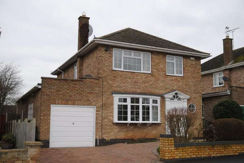 4 Bedrooms Detached House for sale in St. James Road, Brigg, North Lincolnshire