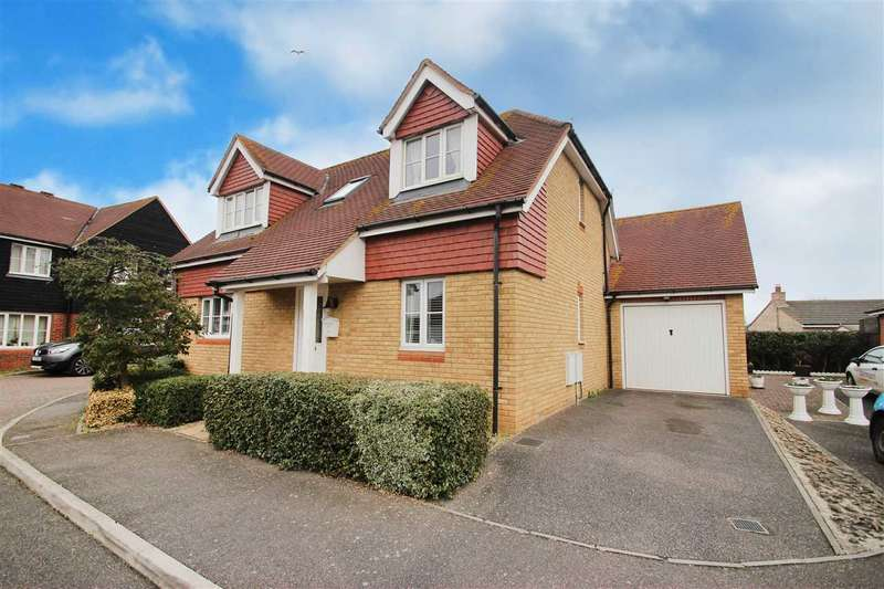 4 Bedrooms Detached House for sale in Shelley Road, Clacton-On-Sea