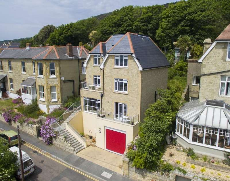 4 Bedrooms Detached House for sale in Ventnor