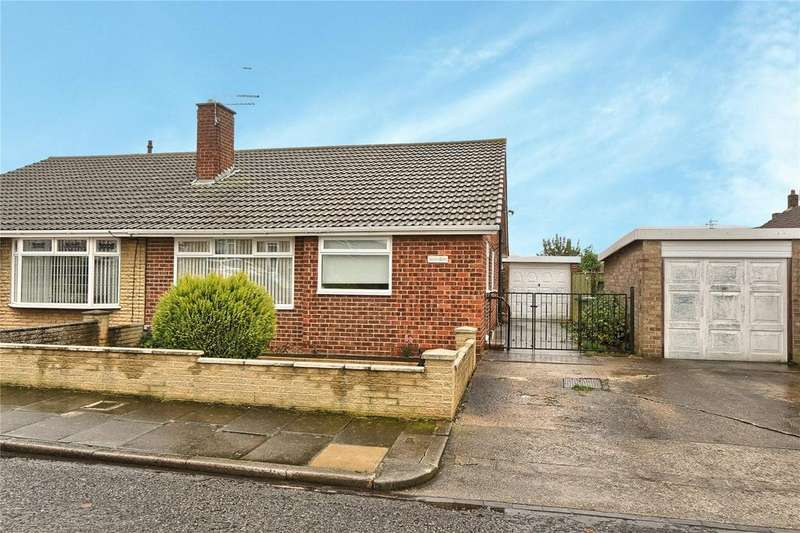 3 Bedrooms Semi Detached Bungalow for sale in Spruce Road, Woodlands Estate