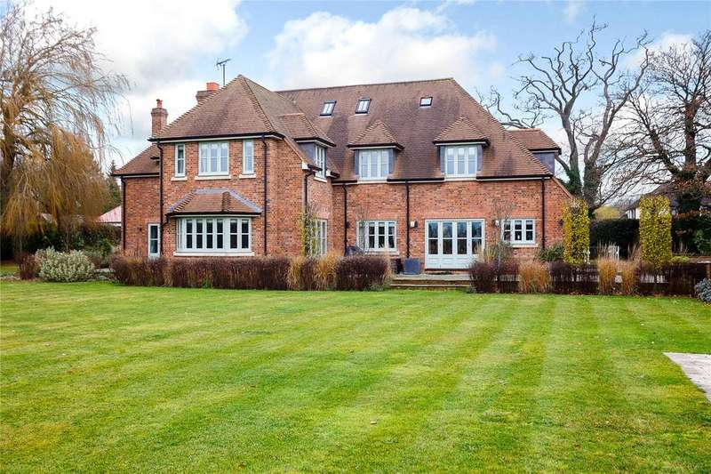 5 Bedrooms Detached House for sale in Pottersheath Road, Welwyn, Hertfordshire